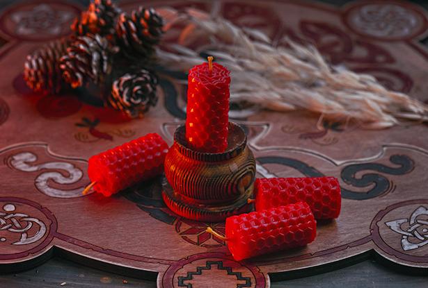 свеча на исполнение желаний, красные магические свечи, красная свеча на желание, красная свеча, свеча воск, свечи из вощины, магическая свеча из вощины, свеча катаная, свеча ручной работы, воск для обрядов, купить свечу, магическая свеча, обряд свеча, купить свечу магия, магическая свеча