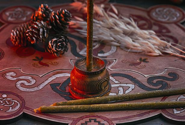 свечи маканые купить, белые восковые свечи, магическая свеча маканая, свеча маканая, свеча ручной работы, свеча белая, воск для обрядов, купить свечу, магическая свеча, обряд свеча, купить свечу магия, магическая свеча