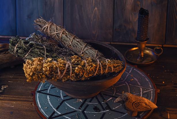 скрутка крапива, скрутка травы, купить травы магические, скрутка для воскуривания, купить крапива, крапива воскуривание, крапива для обрядов, трава для окуривания дома