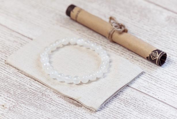 браслет из опала купить, опал, амулет купить, браслет для исполнения желания купить, жемчуг, браслет камень, женский браслет, купить браслет, купить браслет из камня, защитный браслет, магический браслет