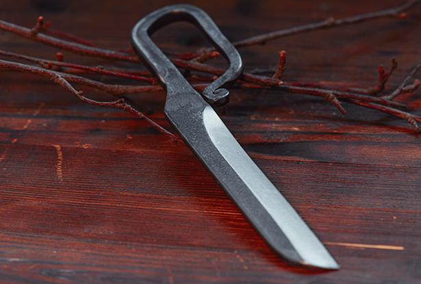 бабий нож, купить кованый нож, нож ручная работа, купить магический нож, нож для магии, нож для обрядов, ритуальный нож купить