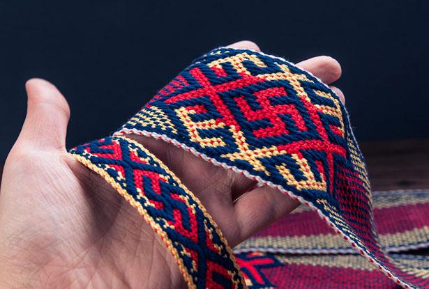 свастика оберег, оберегающий пояс, тканое очелье