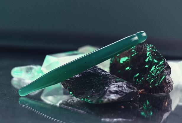 каменный жезл, бабий нож, агат