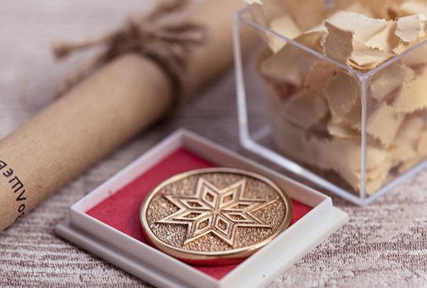 конок на богатство, монета на богатство, бронзовая монета, славянский конок, славянский подарок