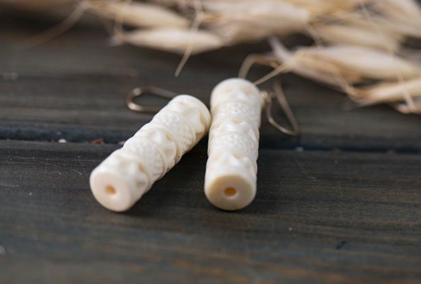 костяные серьги, оберег из кости, серьги кость, купить серьги из кости, старинные бусины, серьги оберег