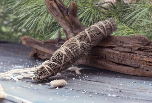 скрутка сосна, скрутка травы, купить травы магические, скрутка для воскуривания, купить сосна, соска воскуривание, сосна для обрядов, трава для окуривания дома
