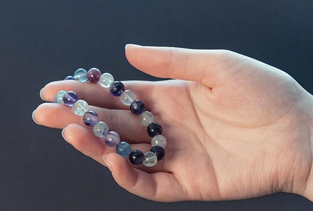 браслет флюорит купить, флюорит, амулет купить, браслет для исполнения желания купить, браслет камень, женский браслет, купить браслет, купить браслет из камня, защитный браслет, магический браслет