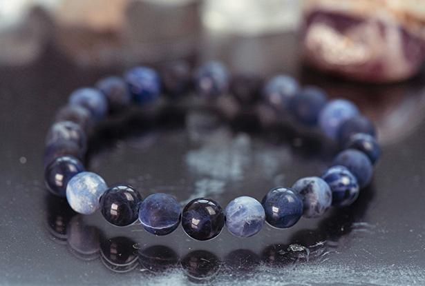 браслет из содалита купить, содалит, камень содалит, амулет купить, браслет для исполнения желания купить, браслет камень, женский браслет, купить браслет, купить браслет из камня, защитный браслет, магический браслет