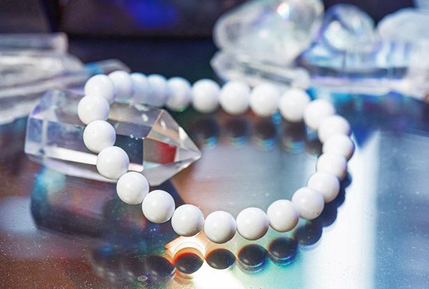 браслет из кальцита купить, кальцит, амулет купить, браслет для исполнения желания купить, жемчуг, браслет камень, женский браслет, купить браслет, купить браслет из камня, защитный браслет, магический браслет
