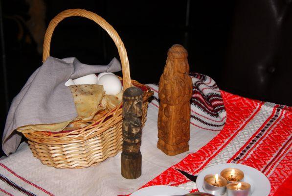 домашний алтарь, устройство алтаря, как сделать домашний алтарь, славянский домашний алтарь