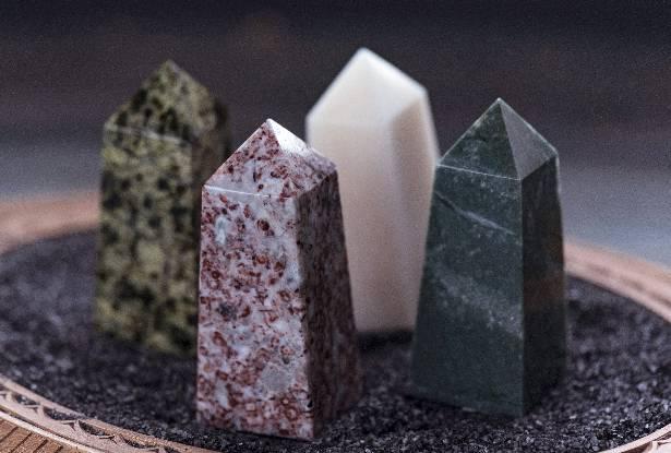 пирамиды севера, обелиск камень, магические камни