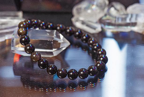 браслет из обсидиана купить, обсидиан, камень обсидиан, амулет купить, браслет для исполнения желания купить, браслет камень, женский браслет, купить браслет, купить браслет из камня, защитный браслет, магический браслет
