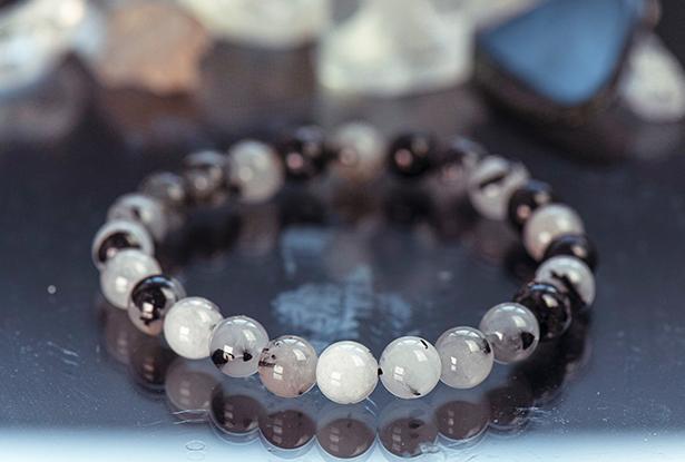 браслет из кварца, кварц турмалиновый, камень кварц, амулет купить, браслет из натуральных камней купить, защитный браслет, магический браслет