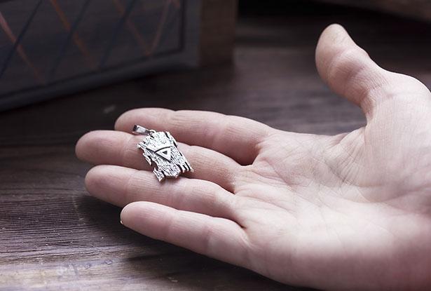 купить серебряный кулон, оберег знак велеса, оберег велес солнце, купить оберег велес, знак бычья голова, оберег велес, амулет велес, велес серебро, велес купить, купить велес серебро